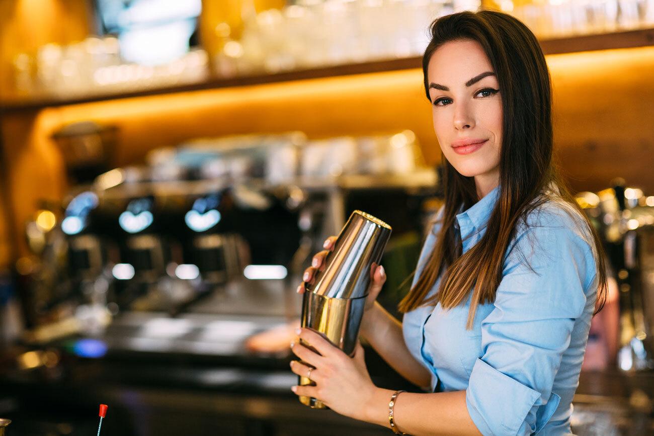 Food-Beverage-Illinios-Bartender