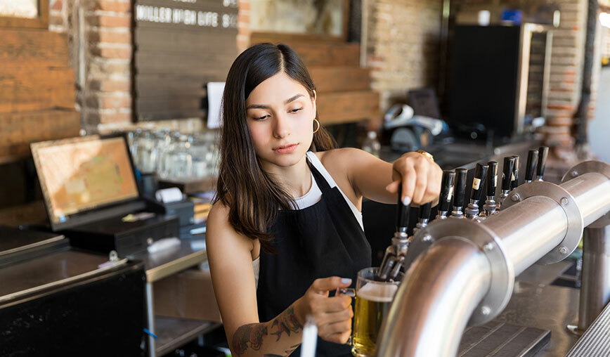 serving-it-right-pouring-beer